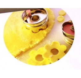 Cookie Cutter  s/s 4.8cm dia Three hole without ejector Guaranteed Quality